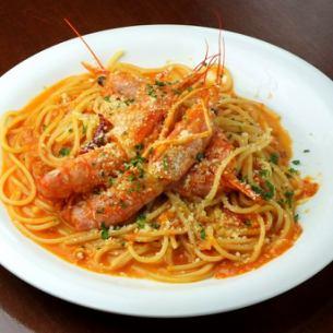 天然エビのトマトクリームスパゲッティ