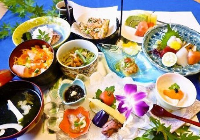 Use fresh ingredients purchased everyday by shopkeepers! Daily set meal 880 yen ~