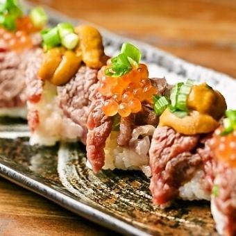 肉寿司卷4一致(海胆或鲑鱼卵或Unikura)