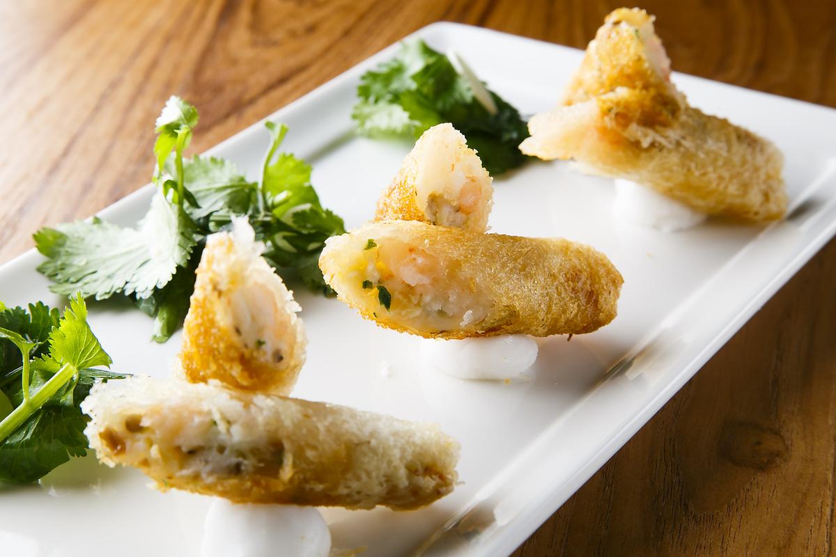 해물 춘권 (3 개) Seafood Spring Roll