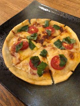 ピザ始めました。おつ