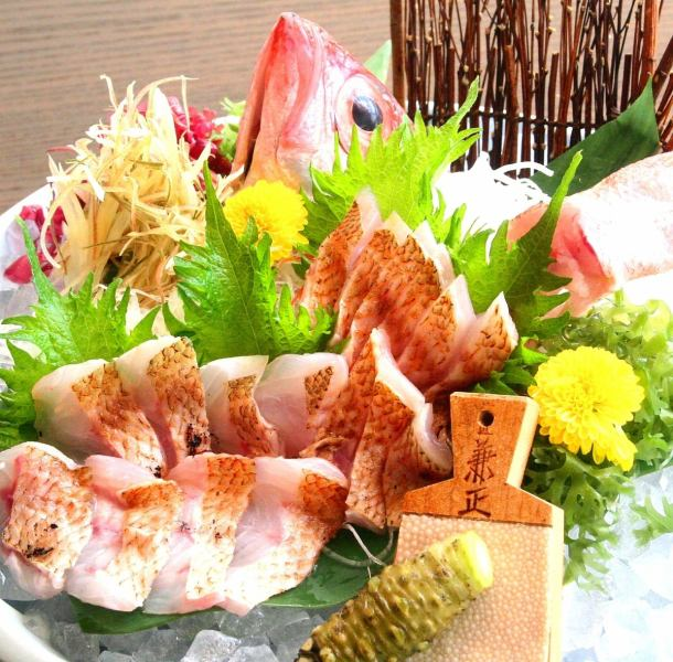"We offer a large selection of Echigo Nihonkai 【Throat Black cuisine】 ""Throat Black Broiled Sashimi"" and ""Specialty! Throat Black Shabu"" etc."