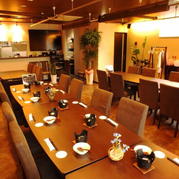 【3rd Floor】 OK Party Hall for up to 6 to 48 people. Private place 20 ~ OK ★ It is perfect for the second party of wedding ceremony or banquet ★ There is a large TV set up.