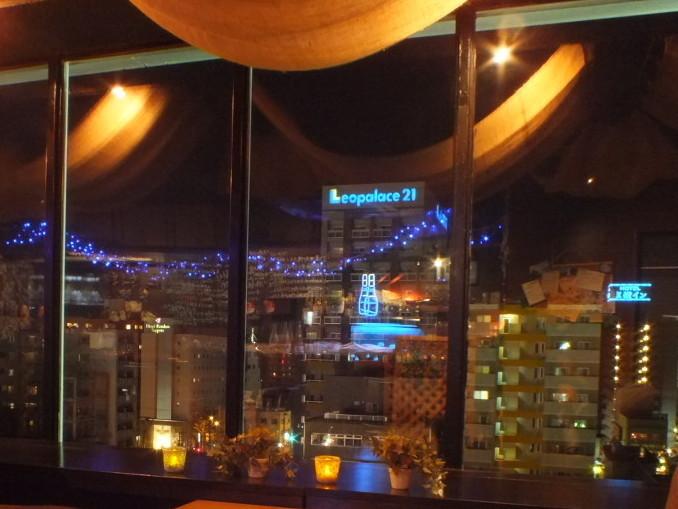 最上階の夜景×ソファ席