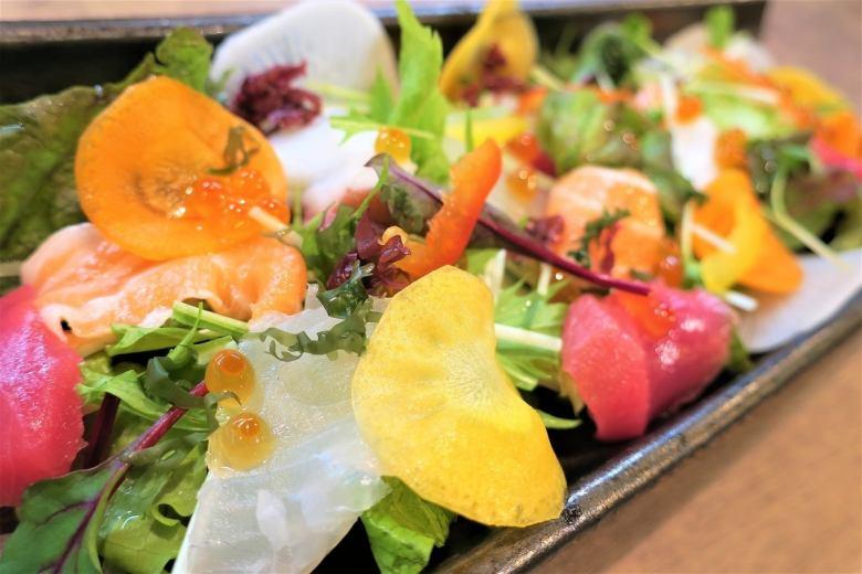 彩り海鮮サラダ