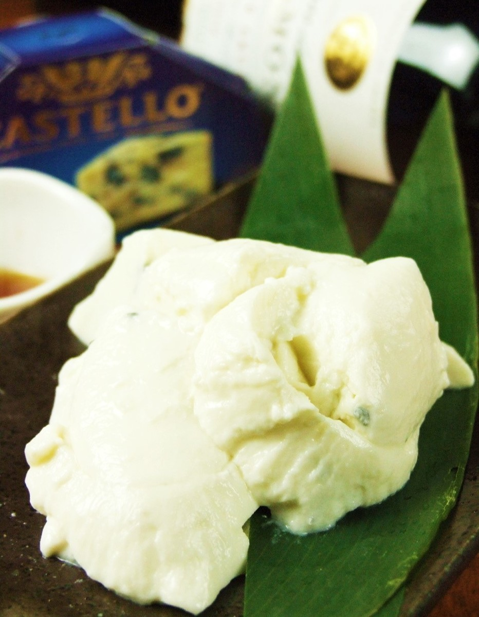 홋카이도 산 우유로 만든 치즈 두부