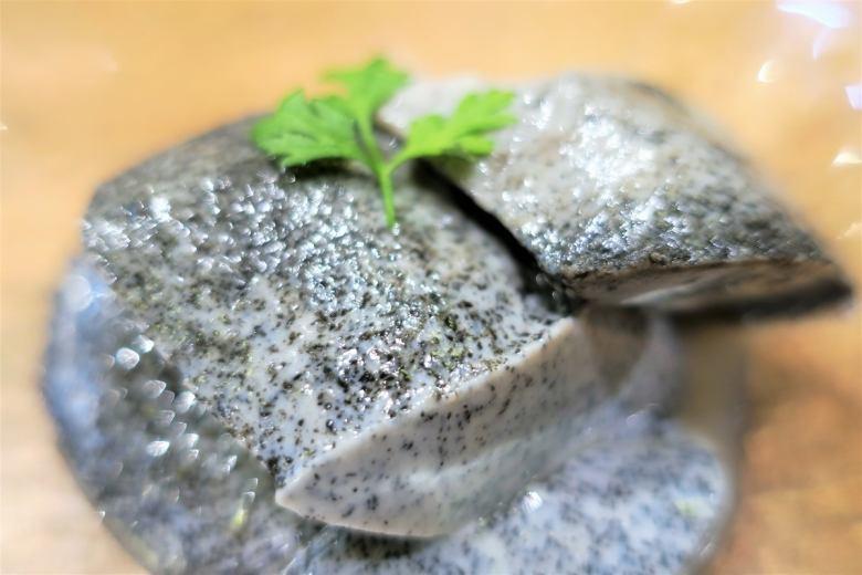 自家製黒ゴマ杏仁豆腐
