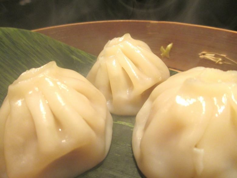 Small dragon wrapped shrimp steamed dumplings