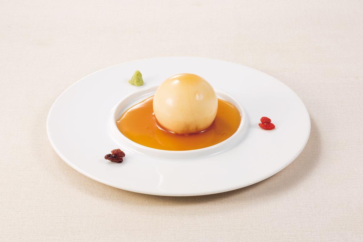 """""""もっちり豆富""""もっちり感と濃厚な味わいをお楽しみください。"""