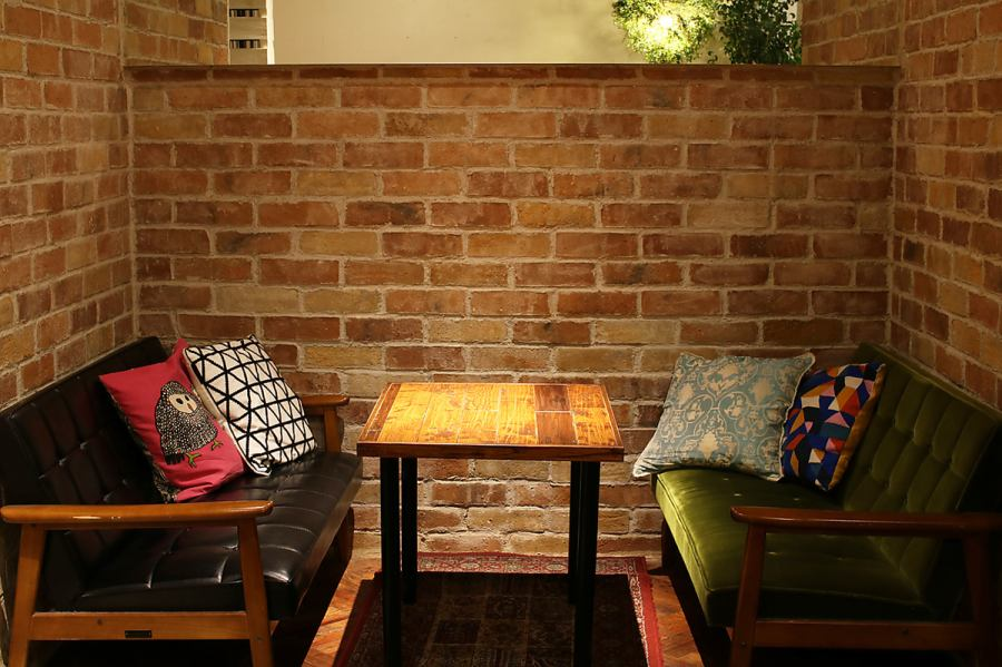 It's as fancy as a foreign cafe ... The gift of the owner's sticking attention to each sofa and cushion ★