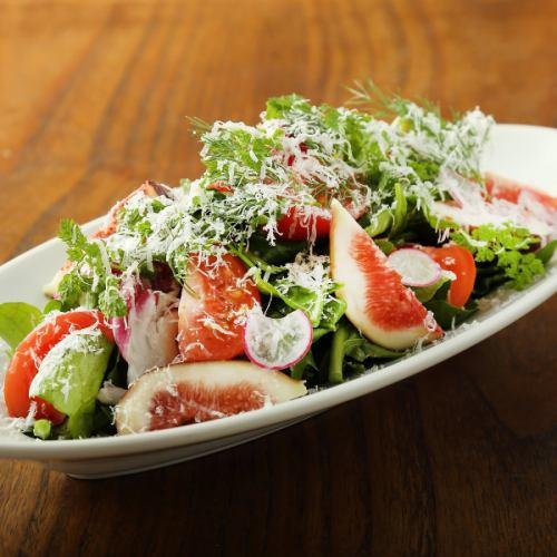 有機野菜とハーブのサラダ
