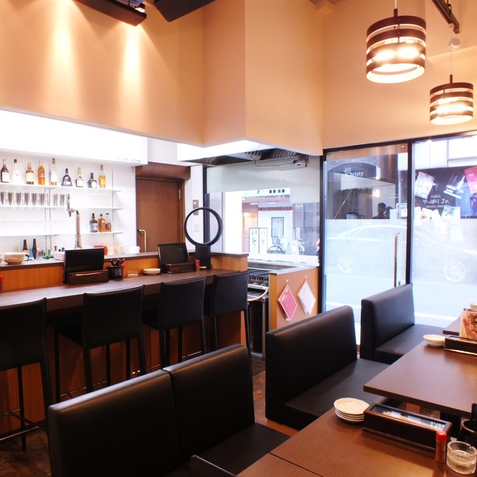 Counter seating that is perfect for sac drinking