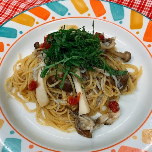 Japanese pasta with shirasu and plum perilla + buffet set