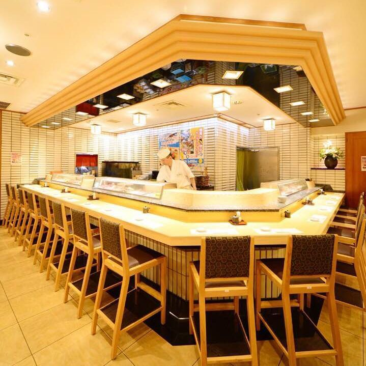 A powerful counter seat where you can see the cooking scenery in front of you, ♪ We also have an all-you-can-eat course for sushi at the counter only ♪