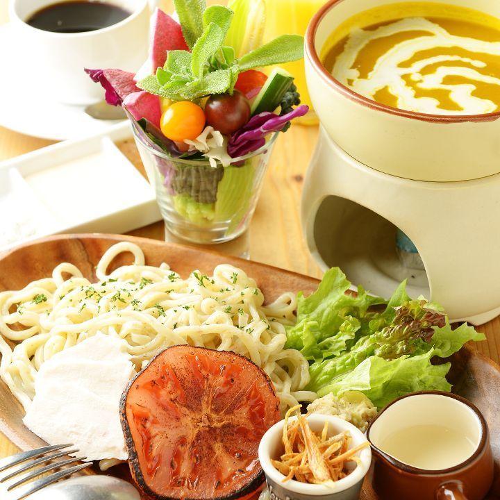 野菜ソムリエのシェフのこだわり料理の数々