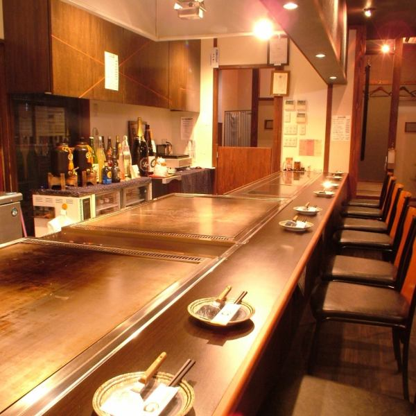 The counter is a special seat.You can enjoy teppanyaki live in front of you! Even for one person, it is recommended for date ♪