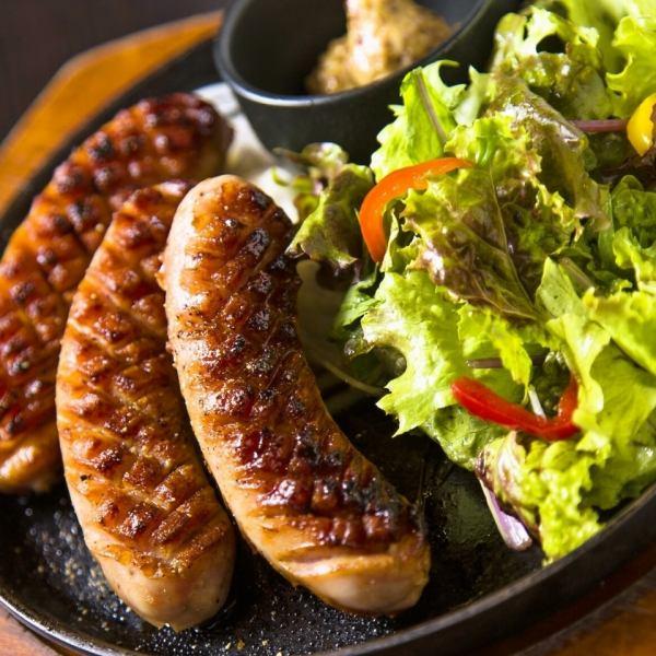【Teppan-yaki of sausage of Bali】