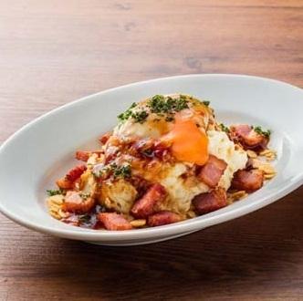 Tamaguri蛋的大蒜土豆沙拉