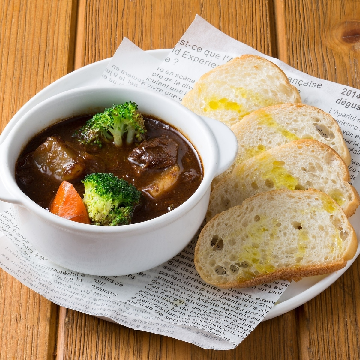 Simmered beef cheek meat red wine