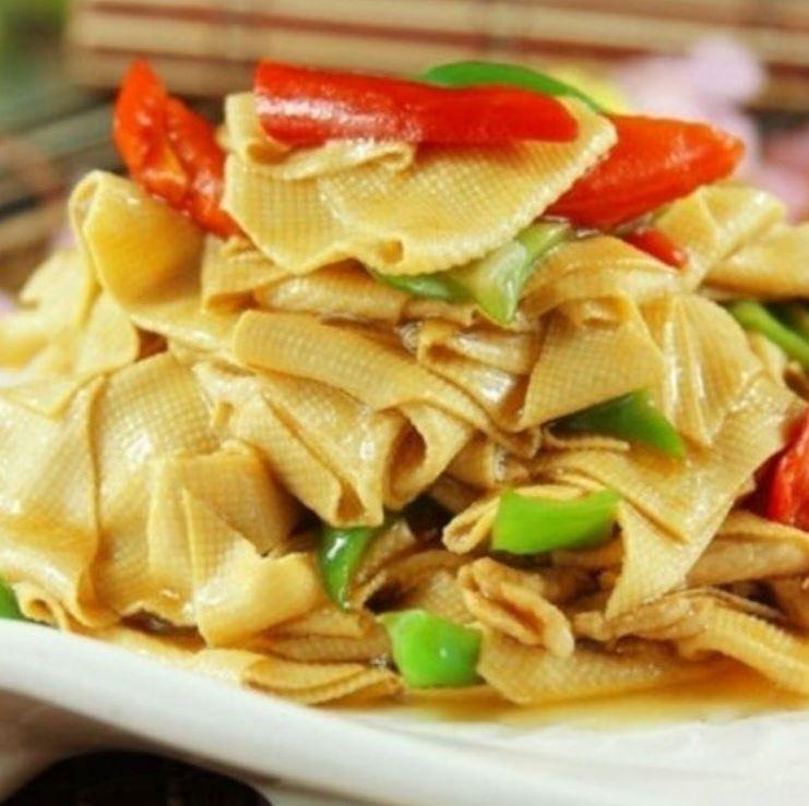 Stir fry of dried tofu