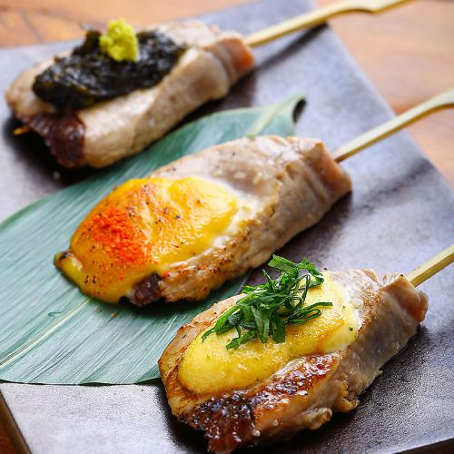 鰹串の炭焼き (3種盛り)