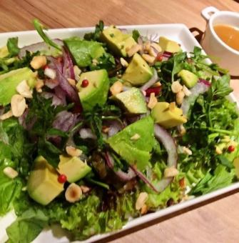 Avocado and green vegetable salad ~ Wasabi flavor dressing ~
