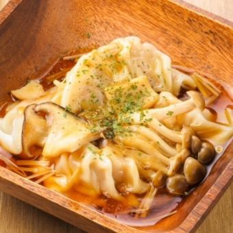 Enjoy dumplings ◎ 8 kinds of dumplings will be replaced and free plan ◆ 4000 yen ◆ 12 dishes of cooking + 3 hours of all you can drink!