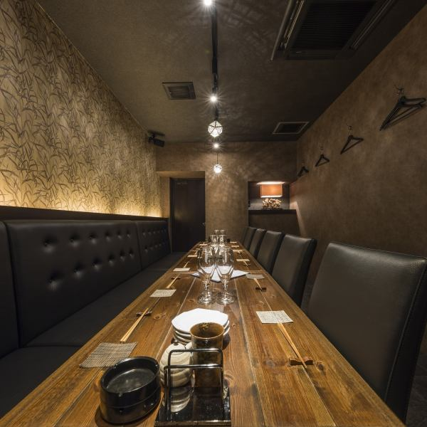 For popular table seats, if you are lucky you can also use for a small group such as 4 people.Please check the dates of your choice by net or phone booking.※ Complete private room use is available from more than 10 people