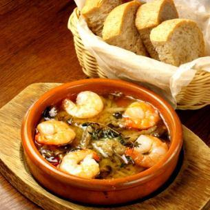 Shrimp and mushroom ahijo