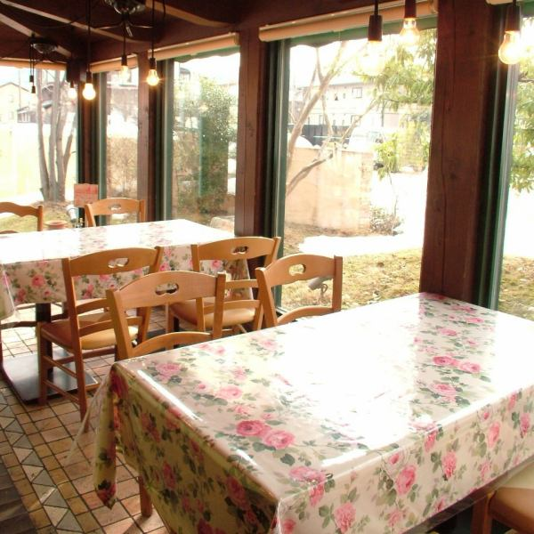 Good weather on terrace seating ♪ Weather there is plenty of parking lot ◎ at friends gathering ◎