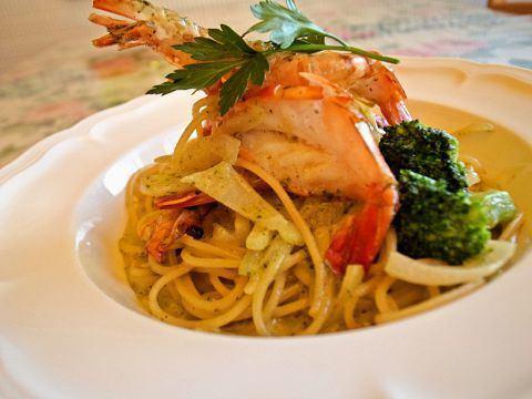 Shrimp cream sauce basil flavor