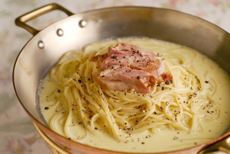 帕爾馬干酪奶酪卡瑪拉晚餐