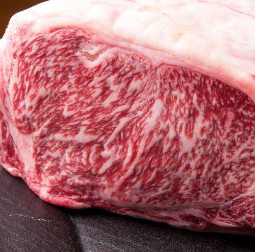 極上のお肉のコースを堪能する2F・3F 特別な日のお食事