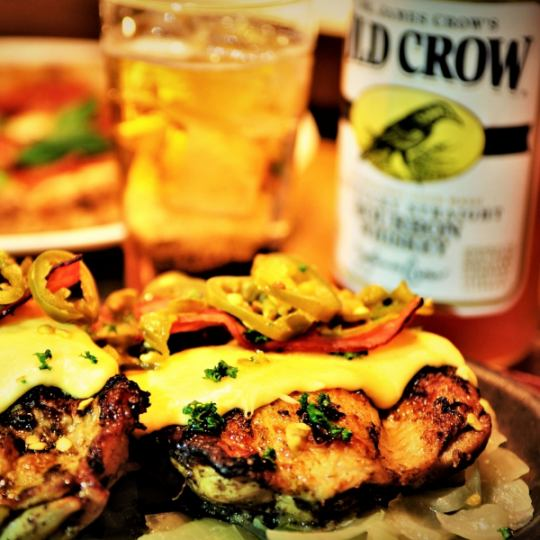 【Jerk chicken】 Offered on the iron plate of Atsuz ♪ When being carried, overflowing appetite ♪ Alcohol also goes guiiigu ♪