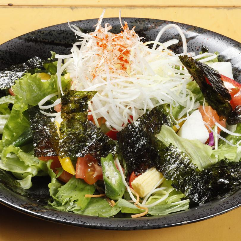 ごろごろ旬野菜とサーモンの チョレギサラダ