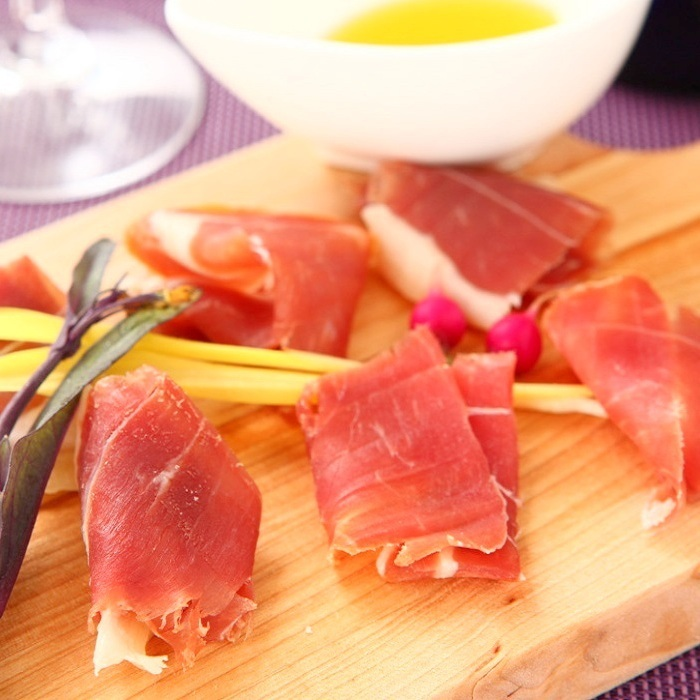 Raw ham gathering high quality (single)