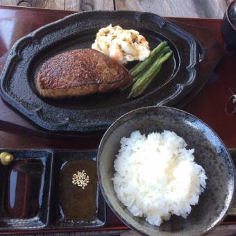 「A5・4ランク黒毛和牛 千屋(ちや)牛肉180g厚切りサービスステーキランチセット」