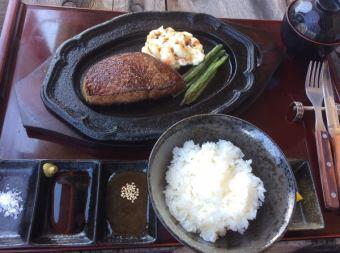 「A5・4ランク黒毛和牛 千屋(ちや)牛肉200g厚切りサービスステーキランチセット」