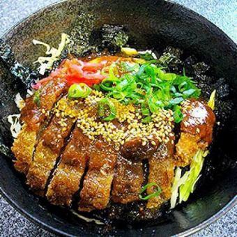 天然鹿肉のジビエデミカツ丼