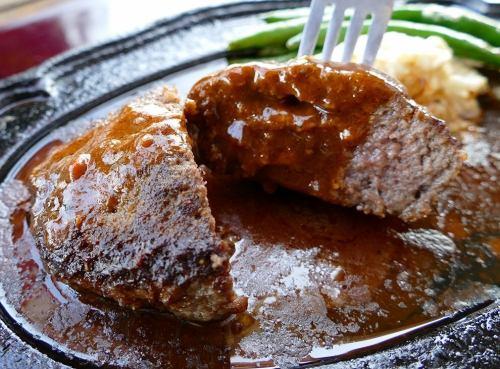 [A5・4ランク]千屋(ちや)牛肉100%200gハンバーグステーキセット