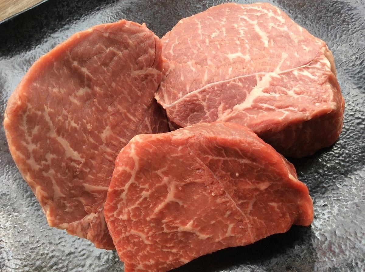 中央市場名物!千屋牛肉150gと手長海老2尾のWステーキ定食