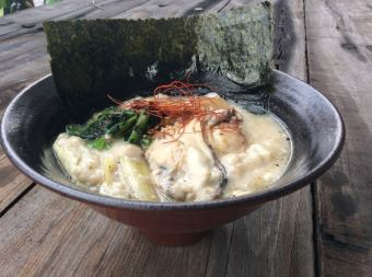 シェフオリジナル「元祖 牡蠣たっぷり洋食そば」☆限定☆