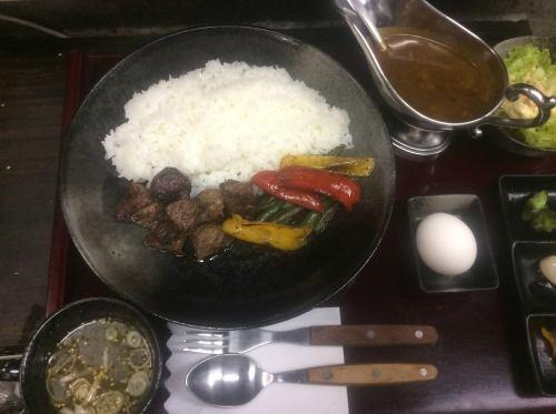 「千屋(ちや)牛肉 市場レストランカレー」
