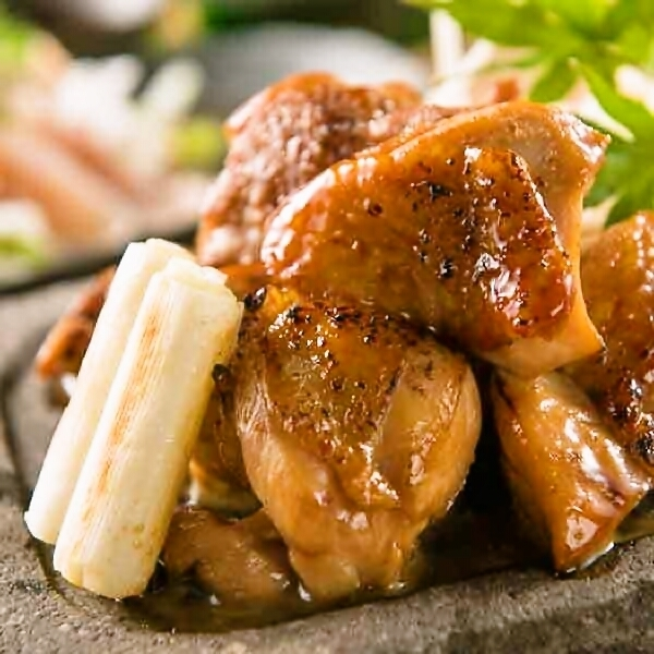金军鸡腿大腿肉Fukaya葱花火山烤烤鸡肉串剪裁