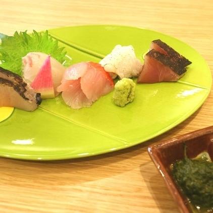 Assorted sashimi 5 kinds (3 pieces each) / 3 kinds (3 pieces each) / 2 kinds (3 pieces each)