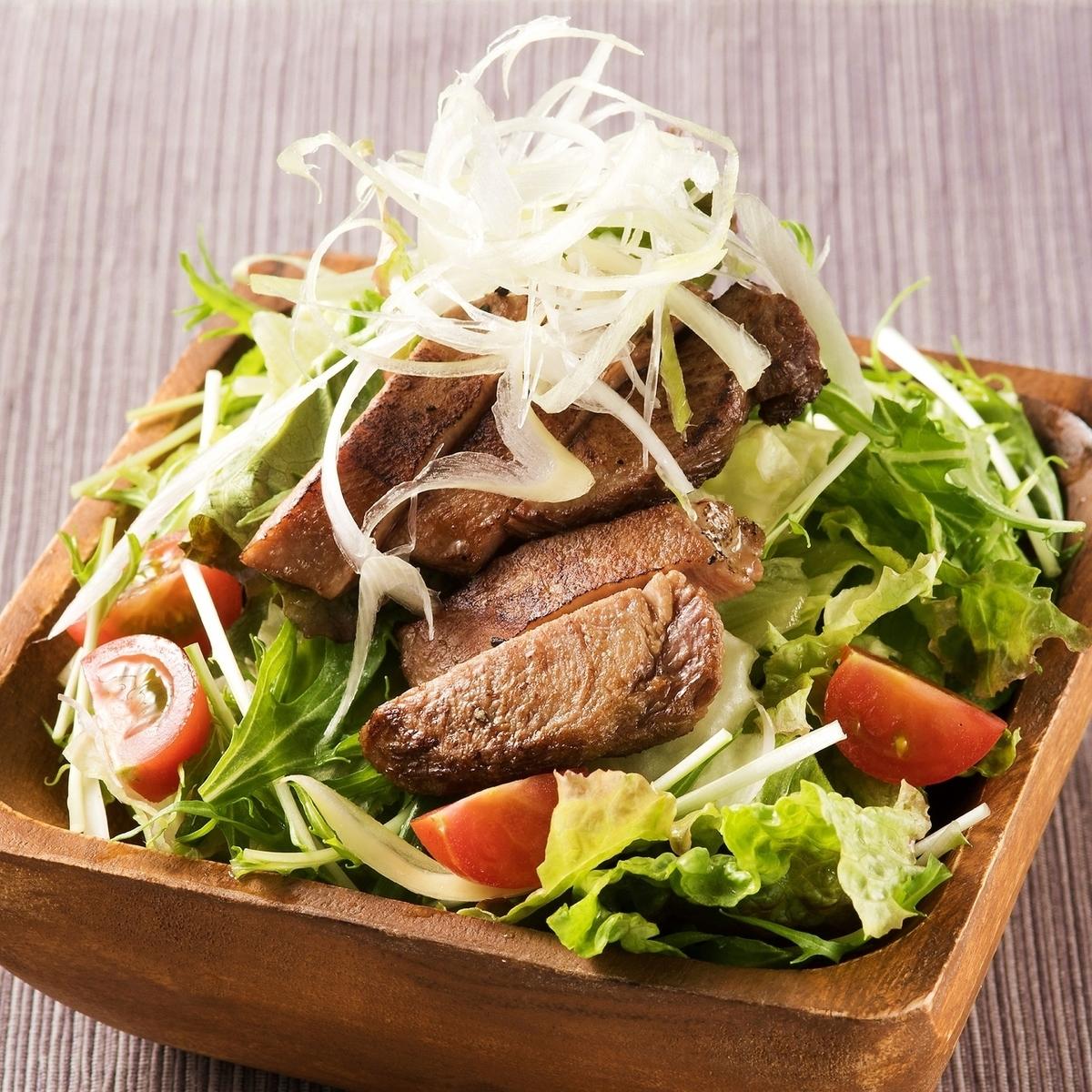 구이 쇠고기 샐러드