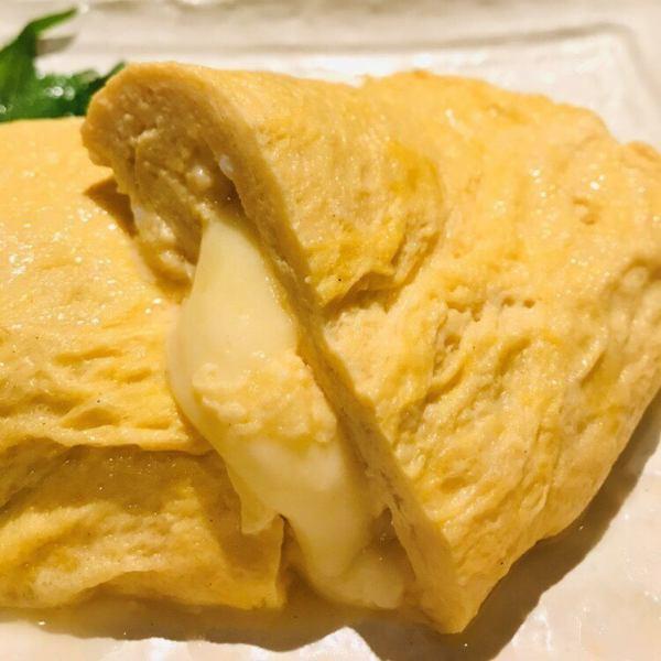 こちらも『うま志』人気のチーズだし巻き!だし巻きの中からトロッとしたチーズが・・・食欲をそそります♪