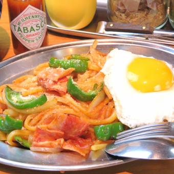 Exquisite iron plate Napolitan / spicy Ikasimi pasta