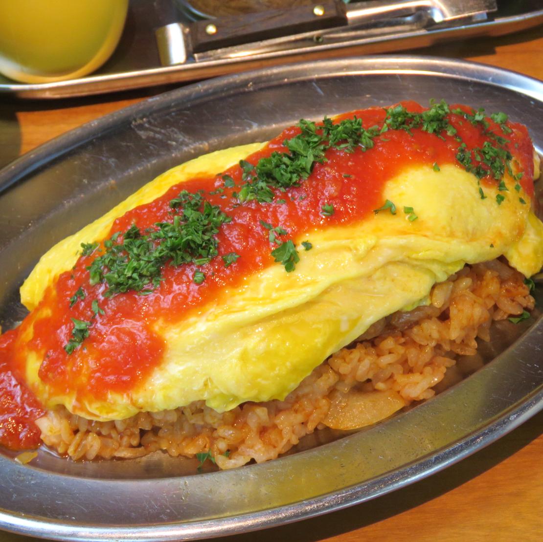蓬鬆的omle米飯