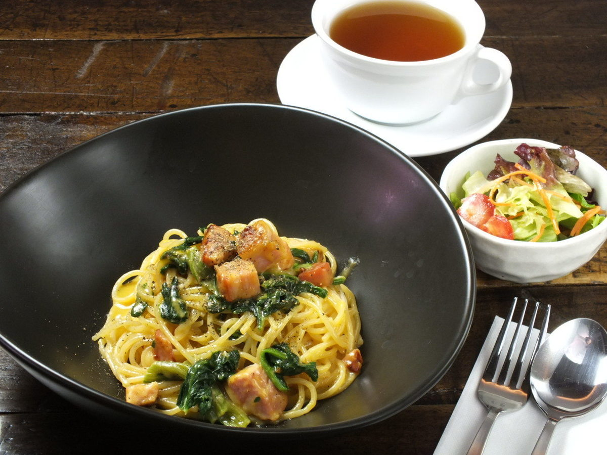 Today's pasta · mini salad · drinks Deal lunch set